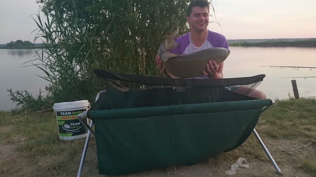 Completely and professionally fishing with Team Idella in Serbia
