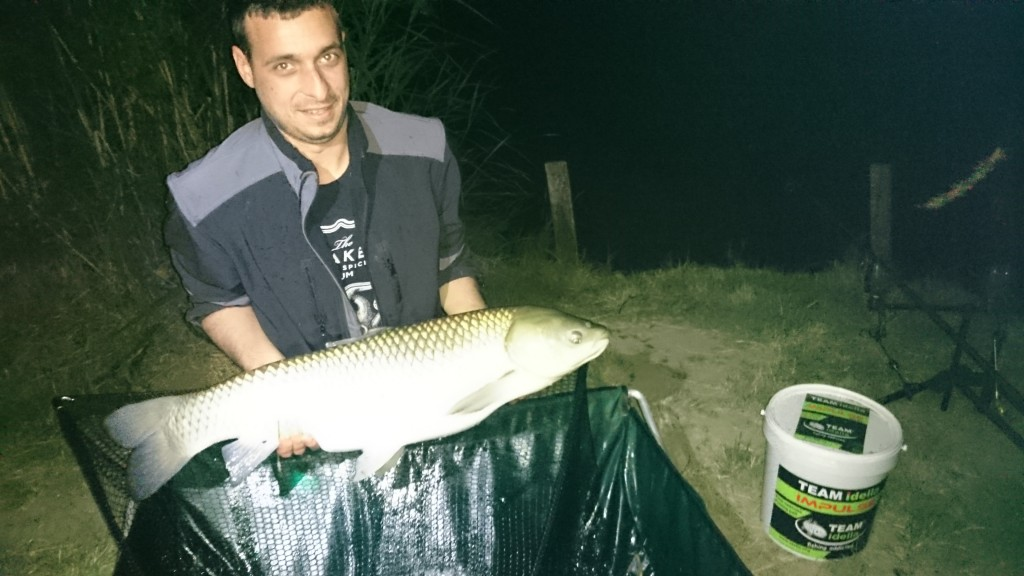 Completely and professionally fishing with Team Idella in Serbia 5