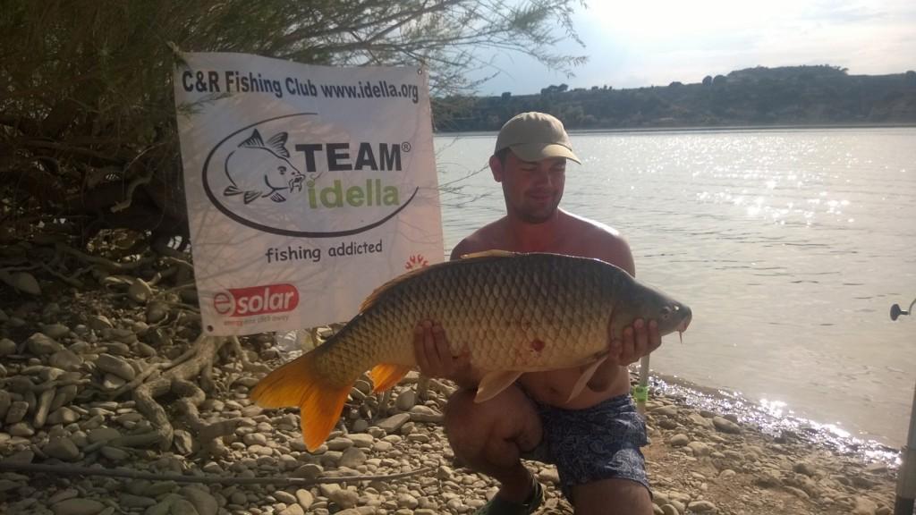 Captură de crap pescuit pe Ebro, Spania împreună cu Team Idella